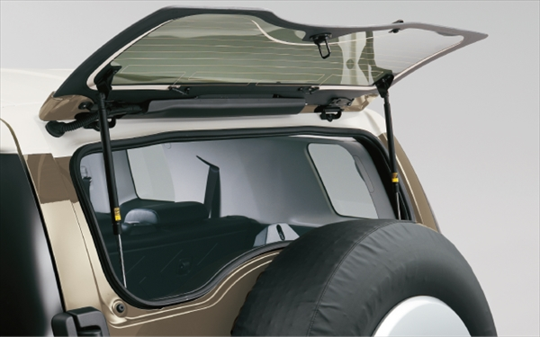 carlineup_fjcruiser_interior_equip_12_pcR