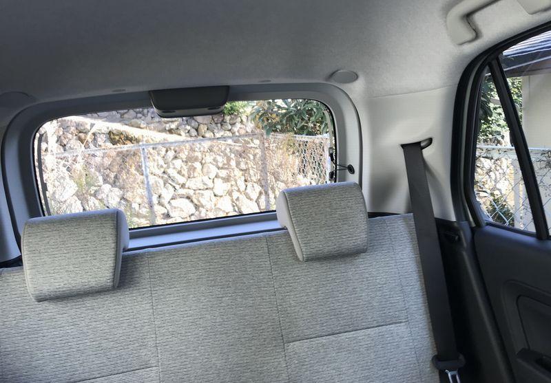 トコットの後ろ窓