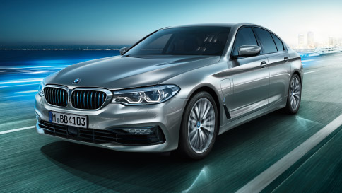 BMW-5series-sedan-ataglance-teaser-04-L2[1]