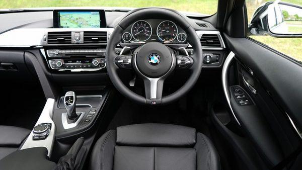 automobile-1834279_640