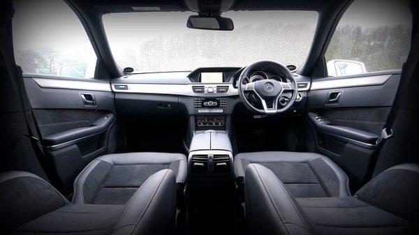 automobile-2178289_640