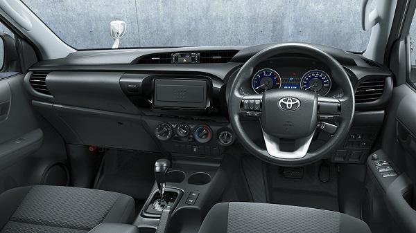 carlineup_hilux_interior_top_pic_04_01_02