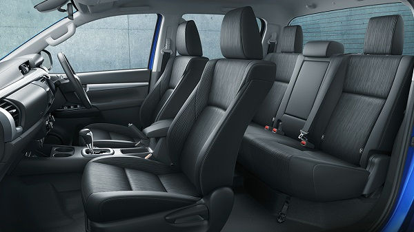 carlineup_hilux_interior_top_pic_04_02_01