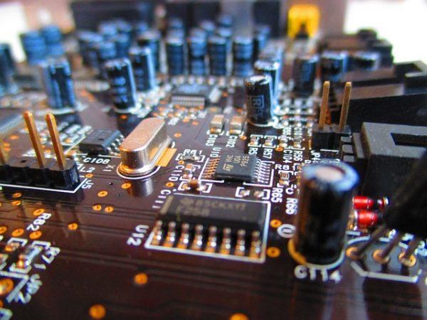 circuit-board-973311_640