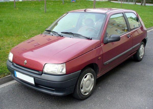 800px-Renault_Clio_I_Phase_II_Dreitürer_RN