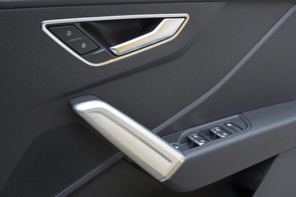 20170426_037_Audi_Q2_1.0_interior_09_s