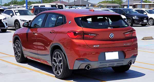 BMW X2のリアビュー
