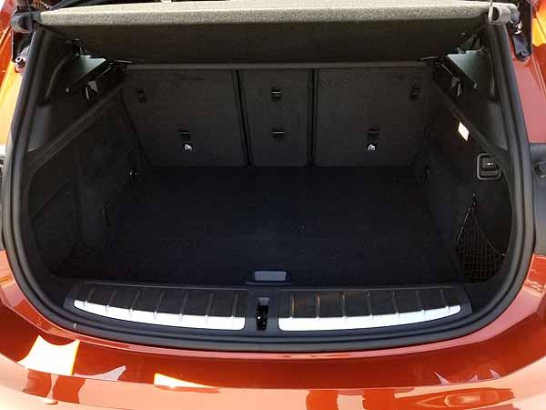 BMW X2のラゲッジスペース