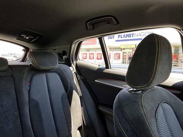 BMW X2の後方視界